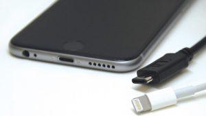 MacBook-Air-12-Retina-USB-Type-C-iPhone-6s-Plus-4